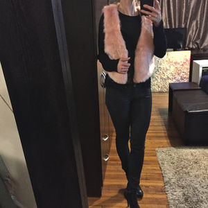 Arc & Co Faux fur blush vest. S